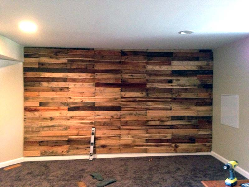 Cool wood pallet furniture ideas luvthat - Wooden pallet accent wall ...