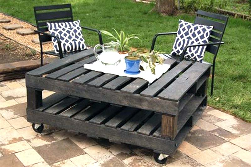 outdoor pallet furnature sidetable